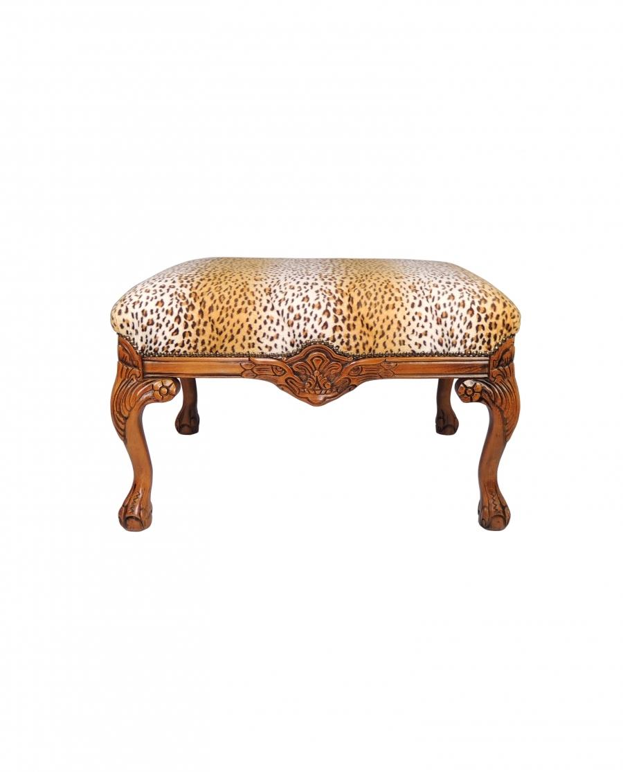 Dřevěný taburet