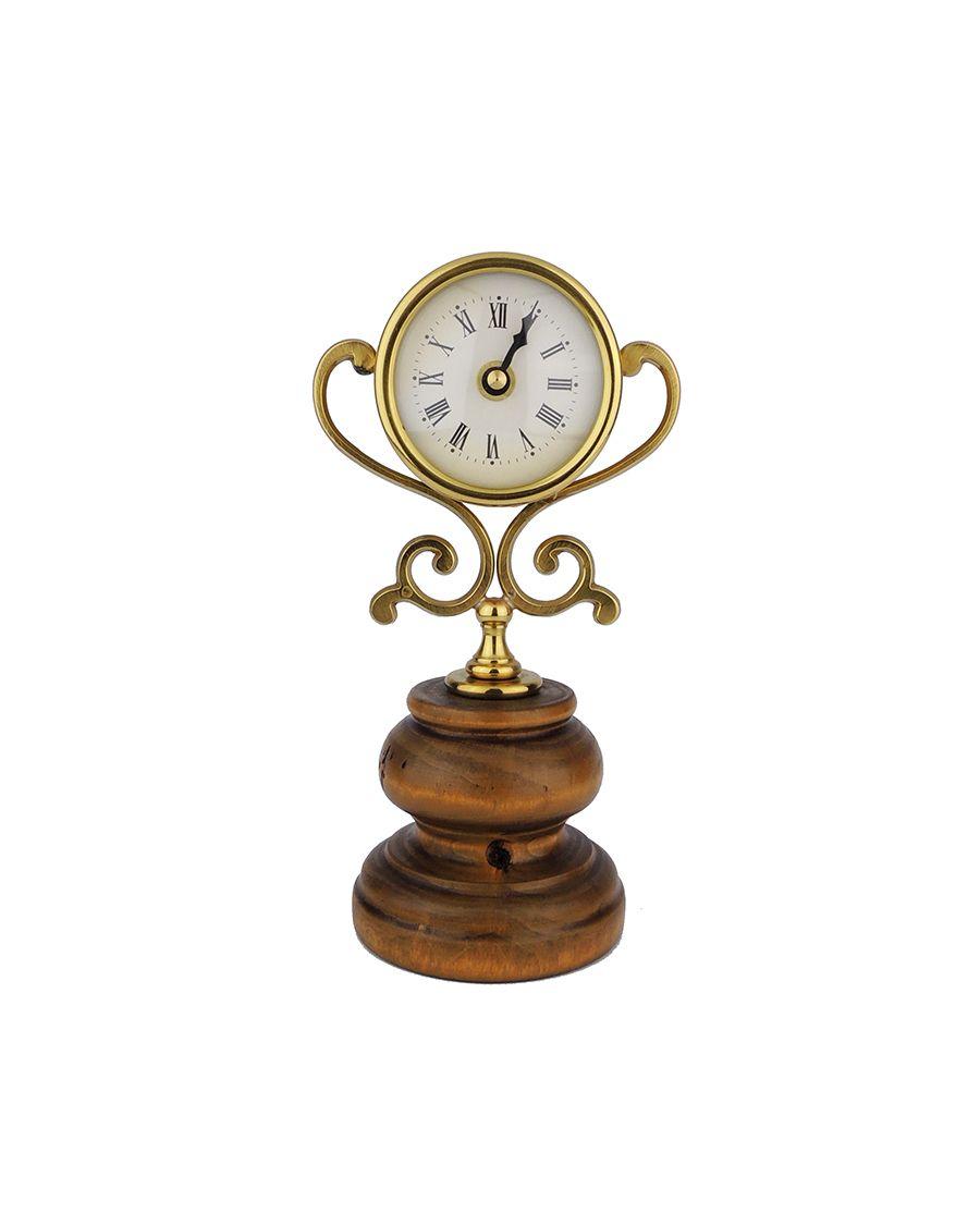 Zlaté mosazné hodiny